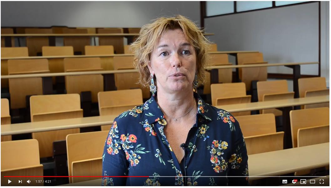 Vidéo :Mme Banctel, professeur en enseignement professionnel - BAC Pro Services de Proximité et Vie Locale 0